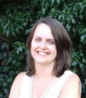 Sarah Apetrei Profile